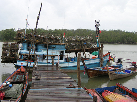 small-scale fisheries, sustainable fisheries: fishing boats in Thailand's Andaman Sea (CRC photo, Jim Tobey)